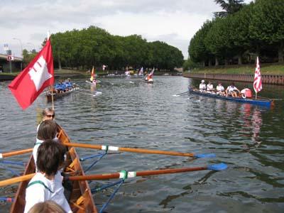Die Boote warten auf den Start